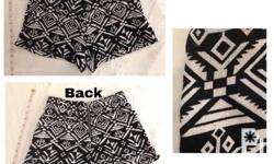 High waist shorts Abstract black and white design