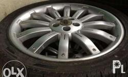 22 Range Rover Over finch Original Mags and tires 95%