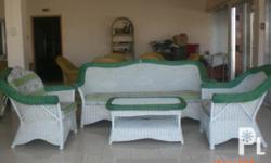 Deskripsiyon Living Room(Sala set) set Furniture two