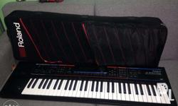 im selling my roland juno di mobile synthesizer.