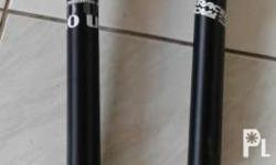 Selling uncut UNO brand seat post and cut raceface both