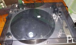 Selling my bnew old stock Sherwood PM 9805 turntable