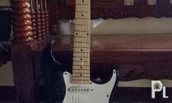 Silvertone Guitar with Ampli,Bag and Tuner all for