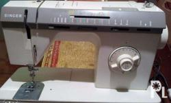 SINGER Sewing Machine with foot pedal 110v but include