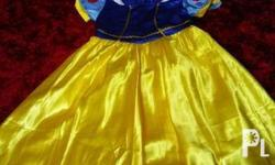 Snow white costume Used once For kids 7-12yo