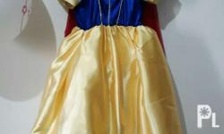 Premium Snow white costume (S) ages 2-4 Used only once