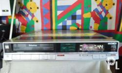 1986 Sony Betamax Player/recorder In good working