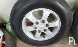 looks like brand new no scratch tires good as new wih
