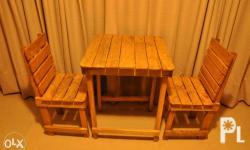 2-seater table and chairs Includes 1pc square table