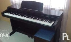 Digital piano 88 keys in good condition.with bench