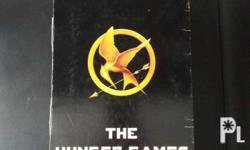 The Hunger Games Trilogy Box Set (Paperback)