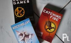The Hunger Games Trilogy Box Set (Paperback) The books