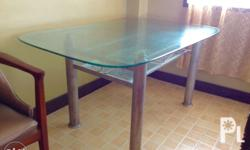 -Very thick and durable tempered glass dining table