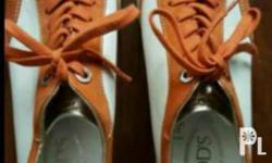 TOD'S WOMEN'S LEATHER SNEAKERS, SIZE 9.5 Guaranteed