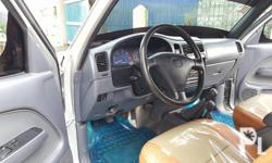 Toyota hilux SR 5 manual diesel 4x4 2002 model rare and
