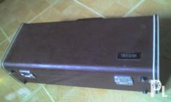 For sale YamahaTrumpet (GOLD) slighlty used with Yamaha