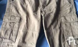 Uniqlo men's cargo pants with slight defect (check
