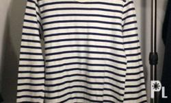 Uniqlo Striped Long Sleeve Shirt Size: Small Color: