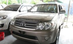 Vehicle Options 2009 Toyota Fortuner Year: 2009