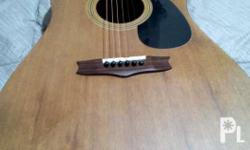 Vintage guitar, good quality guitar.. And bright sound,