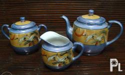 3-piece set Teapot, sugar holder, cream/milk container