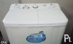 Selling Lindi washing machine. With dryer. Rfs: may