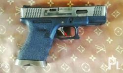 WE Glock 19 force Airsoft Pistol Lady owned 1 magazine