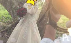 I'm selling my sister wedding gown (NEGOTIABLE). Once