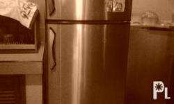 For Sale!! Whirlpool no frost refrigerator 12cu.ft Full