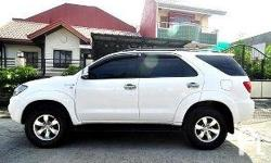 Gawin: Toyota Modelo: Fortuner Mileage: 90,000 Kms