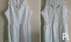 selling preloved dress color: white onced used / some