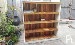 Wooden Pallet Bookshelf In Natural Wood Finish And