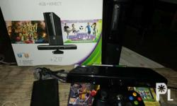 XBOX 360E 4 GB with kinect Include: * Dance central 3 *
