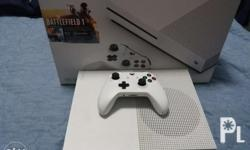 Xbox one 500gb original US VERSION 1 controller with