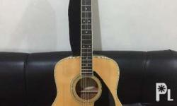 Yamaha FG725 Acoustic Guitar like brandnew with new