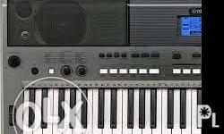 8 months old yamaha psr e-443 very good condition comes