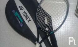 yonex qr 360...90% good condition.w/ bag...txt